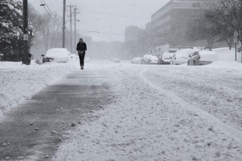 Заметает зима, заметает… Непогода в регионе ещё задержится